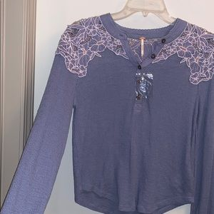 Adorable Free people long sleeve blouse sz medium